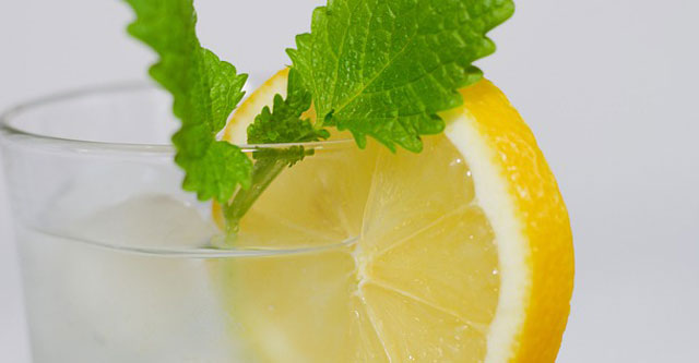 What is the nutritional profile of lemons